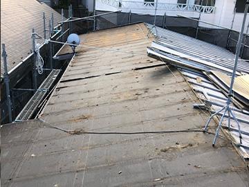 屋根葺き替え:屋根材撤去