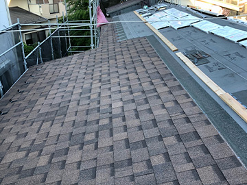 屋根葺き替え:屋根材葺き