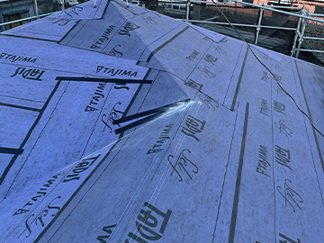 屋根カバー工法:防水シート張り