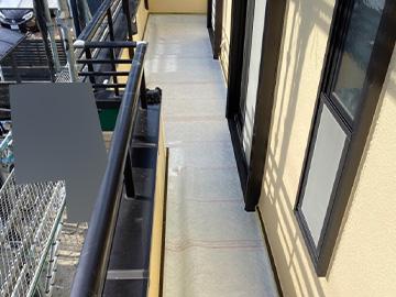 ベランダ防水:ガラスマット貼り付け