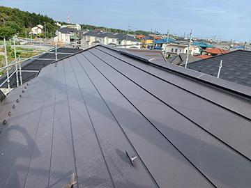 屋根:カバー工法後
